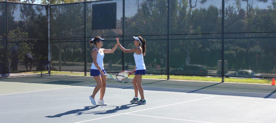 Girls+Tennis+defeats+Corona+del+Mar+13-5+and+Beckman+17-1
