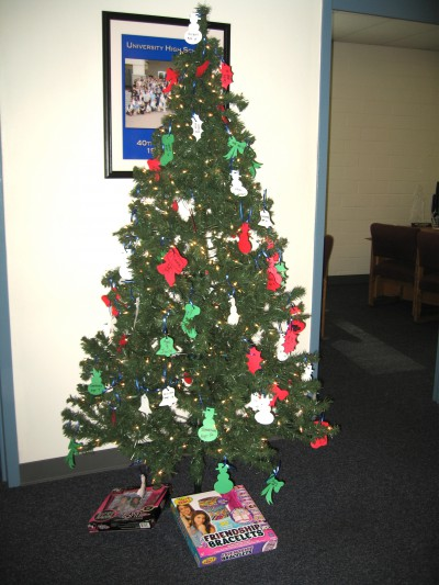 Tis' the season: UHS students get into the holiday spirit