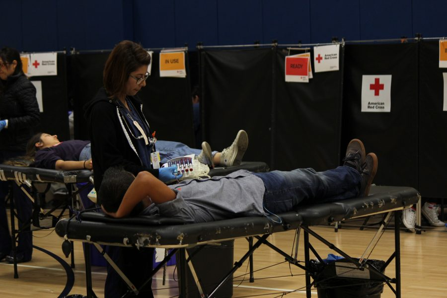 UHS+holds+its+first+blood+drive+of+2015