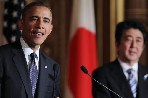 U.S. President Barack Obama (left) attends a press conference with Japanese Prime Minister Shinzo Abe (right) at the Akasaka guesthouse in Tokyo, April 24, 2014. (Junko Kimura-Matsumoto/Jana Press/Zuma Press/MCT)