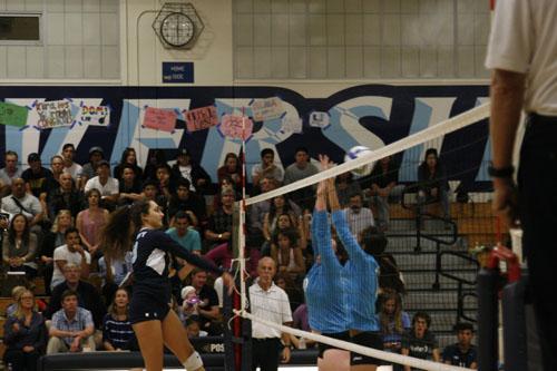 Girls Volleyball defeats Irvine on Senior Night