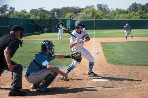 Jackson Lobianco (Fr.) at bat in CdM game. (J.Li)
