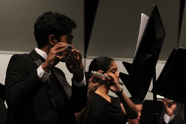 Junior flutist Mansi Solanki and sophomore flutist Kavin Krishnam perform in the Wind Ensemble (Julia So)